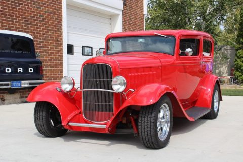 1932 Ford 2 Door Sedan na prodej