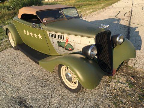1933 Ford Roadster na prodej