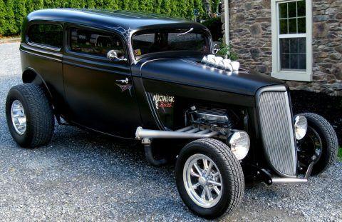 1934 Ford Tudor na prodej