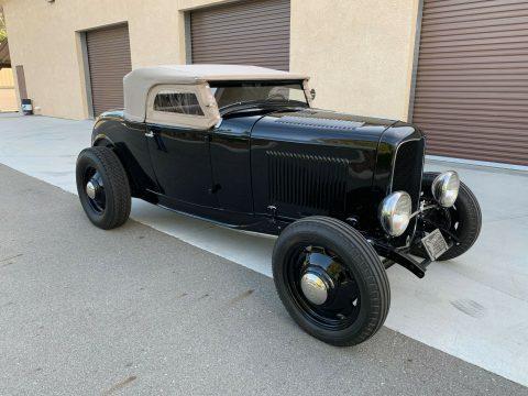 1932 Ford Deluxe Roadster na prodej